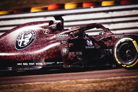 全新f1新赛车谍照露出 阿尔法·罗密欧竞速f1车队领衔首跑